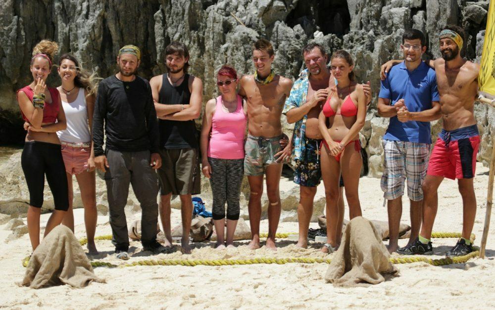 concurentii-din-tribul-araw-alaturi-de-familie-si-prieteni