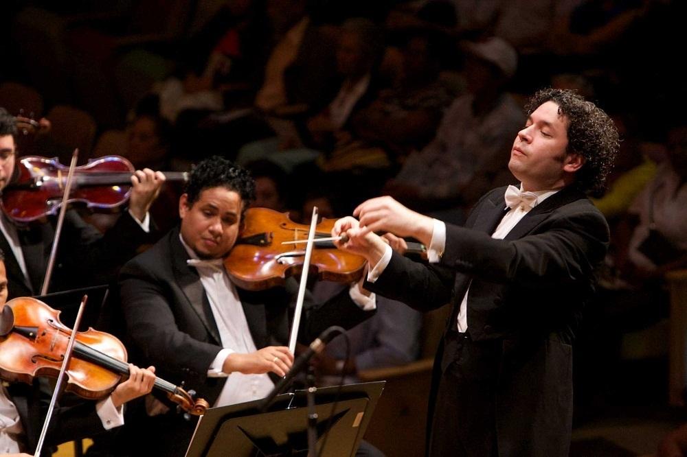 concertul-de-anul-nou-gustavo-dudamel-8-gerardo-gomez-with-sbsov