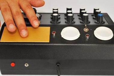 Placa fricção máquina radiônica