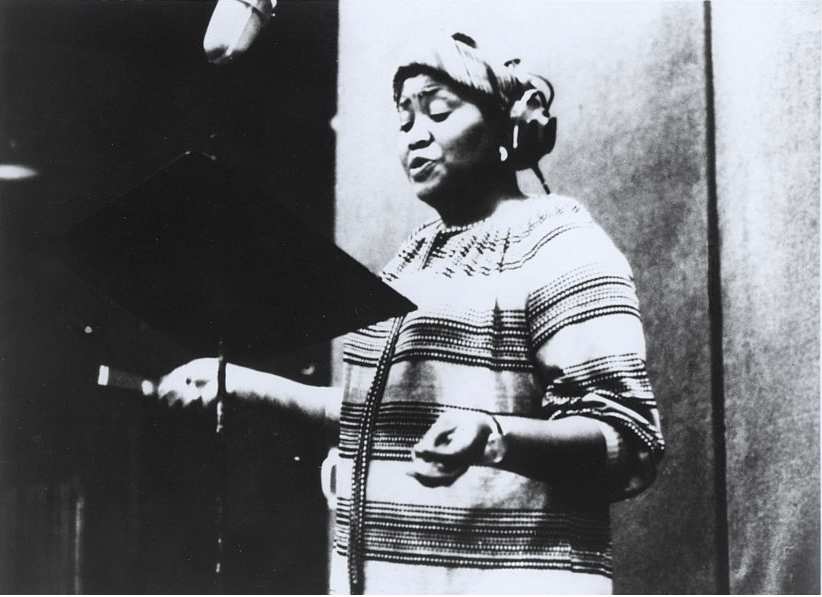 Odetta Recording Ballad for Americans  (UA Press Photo).
