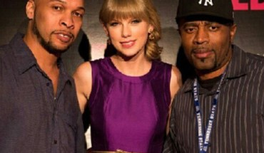 247608 10151289869522612 1551106905 n2 e1352183573241 LOOK: Its Taylor Swift with Kenny Smoov