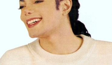MJ-Lovely-michael-jackson-8357171-999-1000