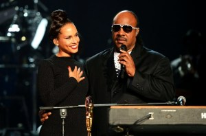 Alicia Keys Stevie Wonder Billboard Music Awards 2012 300x198 2013 Global Citizen Festival Announced; Stevie Wonder, Kings of Leon, Alicia Keys, And John Mayer
