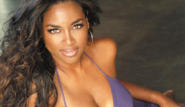 respect kenya moore 2 Kenya Moore Talks about Charity to Help Young Black Girls Develop Self Esteem on V013