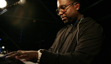 Gil Smith   GD @ piano action Producer/Music Director Gil Smith II Is Now The Ambassador For Samsung Galaxy Music Campaign