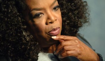 oprah1 Oprah Says Obama Is Disrespected Because Hes Black and Old Racist Have to Die