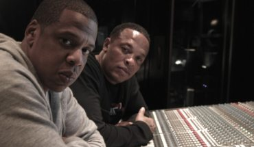 dr dre and jay z in the studio e1402978266678 Jay Z Lends His Talents to the Beats By Dre Movement