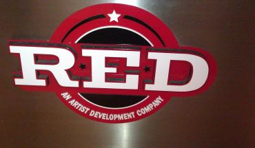 Red+Distribution+logo