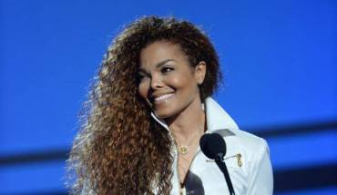 Janet-Jackson-named-Ultimate-Icon-at-BET-Awards-2015