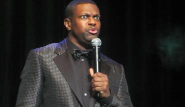 Uptown_Chris_Tucker_Stand_Up