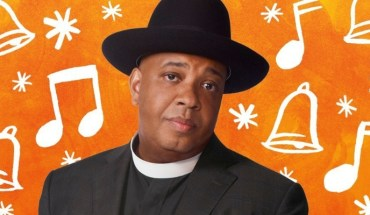 Hip-hop icon Rev Run is bringing his style of digital inspiration to households across the U.S. just in time for the holidays for AT&T Inspired Mobility. (PRNewsFoto/AT&T Inc.)