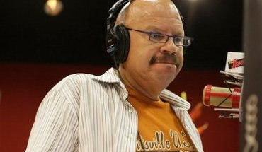 Radio personality Tom Joyner is shown during his morning talk show in Dallas, Friday, Oct, 2, 2009. Joyner is seeking a posthumous pardon from the state of South Carolina for two of his uncles, black men executed in 1915 after being convicted of murdering an elderly veteran of the Confederate Army.  (AP Photo/Donna McWilliam)