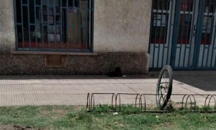 Sólo le dejaron la rueda
