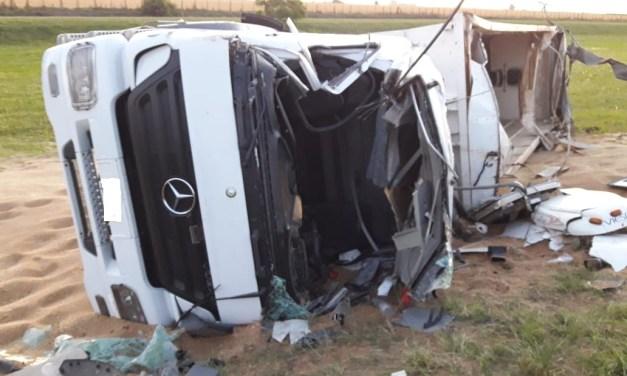 Julio, conductor del camión siniestrado: «me agarró de costado, me cerró en la cabina y me tuve que tirar abajo»