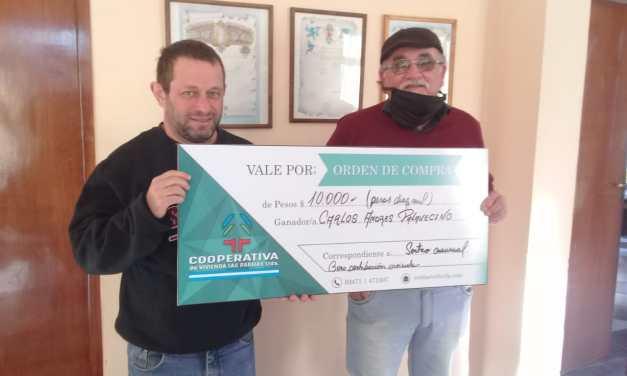 Entregaron los $10.000 de la Cooperativa de Viviendas