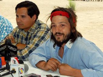 Diego Luna, durante la grabación de la película 'Chávez' en Sonora.