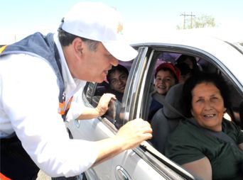 López Caballero realiza volanteo en la salida a Kino