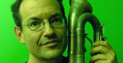 Ben_Goldberg_with_contra_alto_clarinet_-_2_-_photo_by_Ken_Weiss