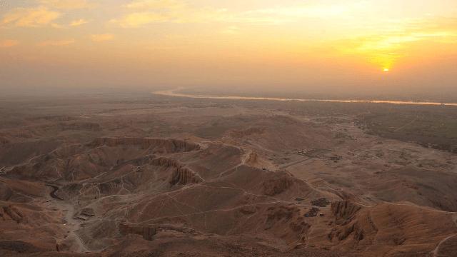 En el desierto, sin el desierto