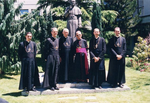Nuovi_vescovi_Econe_1988_8x6x200