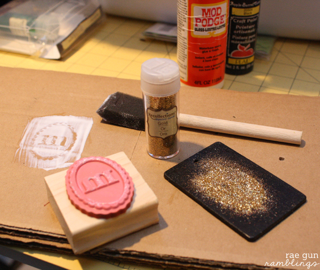 Monogram Glitter Ornament Tutorial from Rae Gun Ramblings