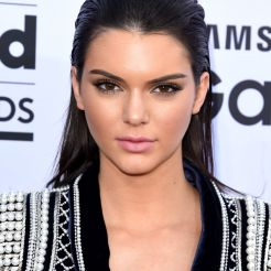 Kendall Jenner in versione wet look