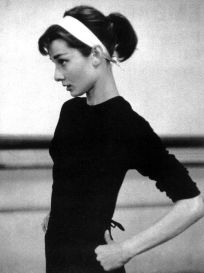 Audrey Hepburn, immagine salvata da emmafakesit.files.wordpress.com su Pinterest
