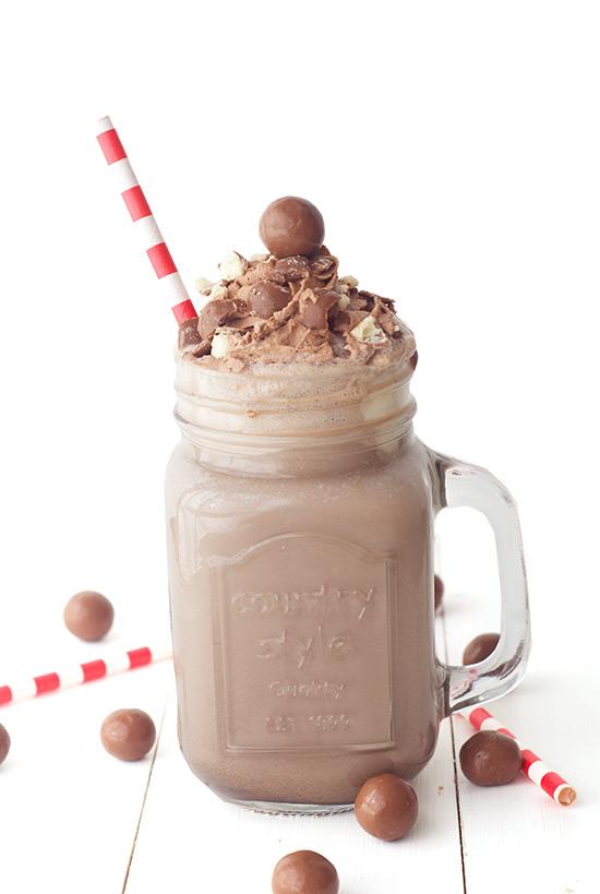 25 Delicious Chocolate Desserts - Raining Hot Coupons