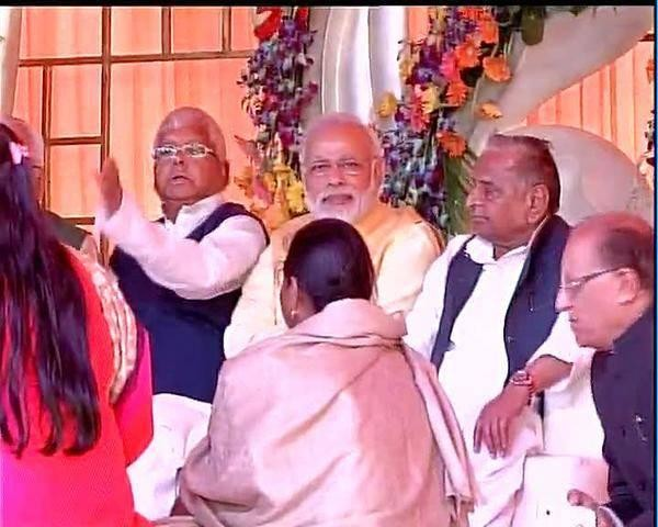 Only-Modi-knows-where-the-camera-is