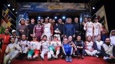 Katar'da start alan ekipler tak'ta bir arada..