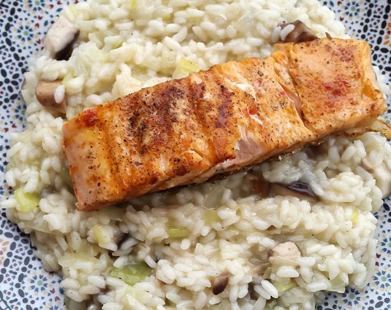 Groente risotto met gegrilde zalm