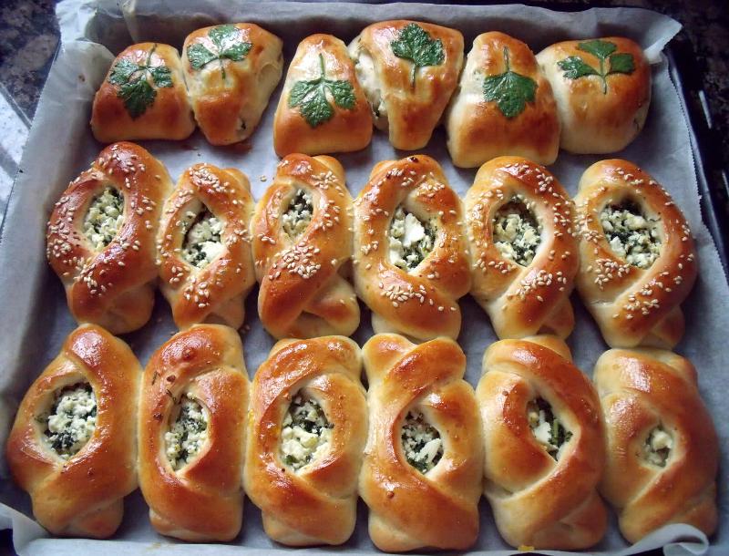 Super zachte broodjes met feta en peterselie