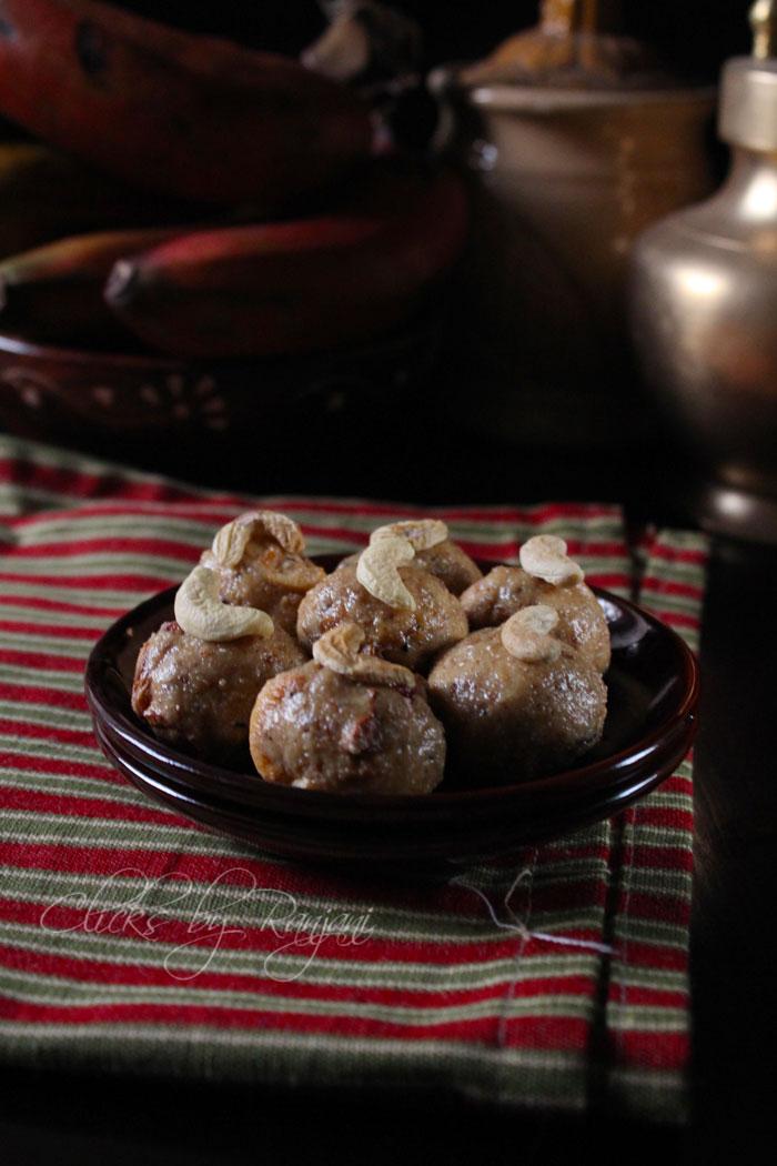 Ulundhu laddu recipe | Urad dal laddu