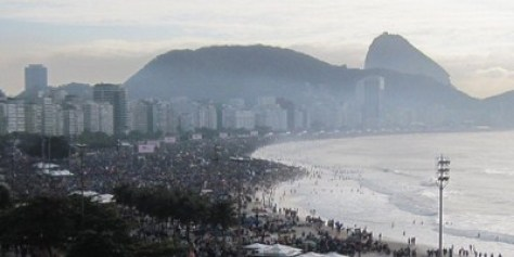 Rod Stewart at Copacabana Beach-Biggest Concert Ever