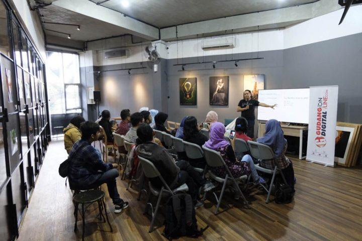 "Kelas ""How to become a foodblogger"" yang diadakan oleh Gudang Kopi bekerjasama dengan Andre Christian"