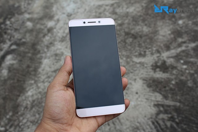 LeEco Le 2 Review Display