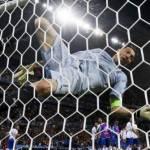 Vidéo, Italie – Belgique : Buffon perd l'équilibre en célébrant la victoire