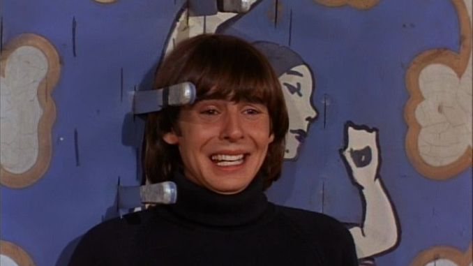 davy-jones-the-monkees-monkees-at-the-circus