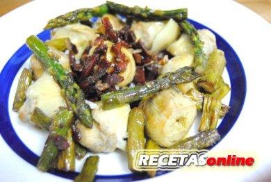 Salteado de ajos tiernos, esparragos y corazones de alcachofa - Recetas de cocina RECETASonline
