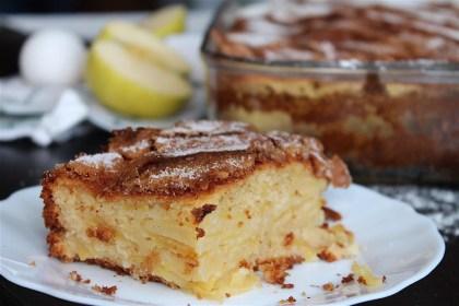 Bizcocho de manzana sin lactosa con azúcar y canela