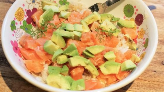 Chirashi avocat saumon - Cuisine japonaise © Recettes d'ici et d'ailleurs