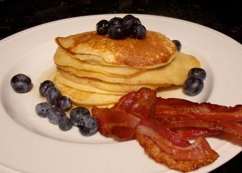 pancakes-plate-with-bacon