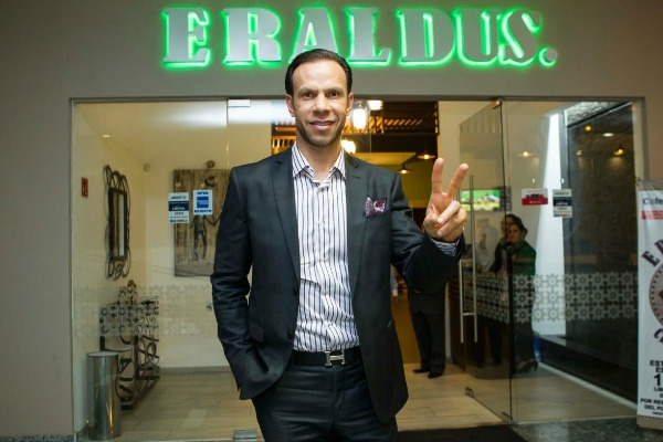 Luis Roberto Alves posa para la lente de RÉCORD