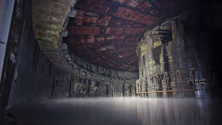 Wewnątrz fabryki rakiet wojskowych w ZSRR w Rosji