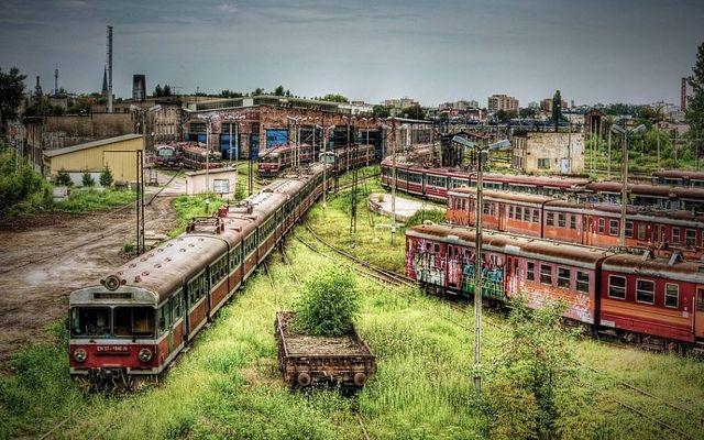 opuszczony dworzec kolejowy w Częstochowie Polsce