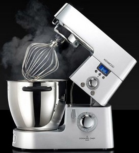 kenwoodcookingchef small Kenwood KM070 Cooking Chef   cooks as it beats as it creams