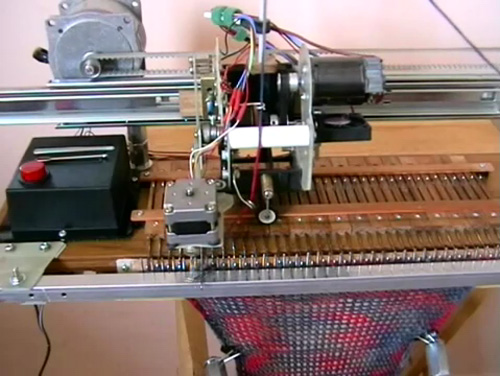 Knitting Machine Diy : Diy knitting machine does all of the boring work for you