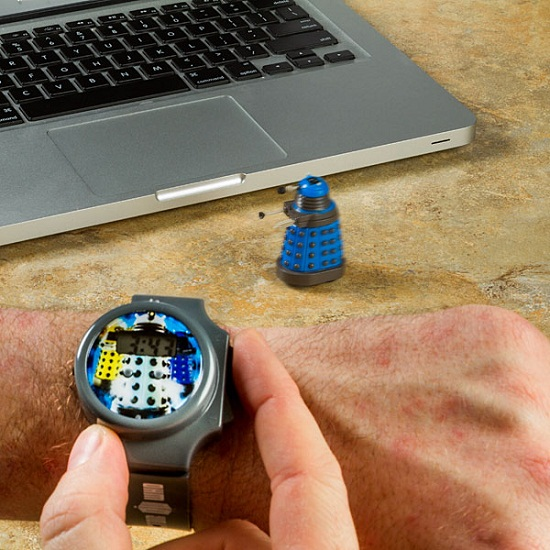 doctor who dalek rc watch inuse Doctor Who Dalek R/C Watch – destroy desk dust bunnies