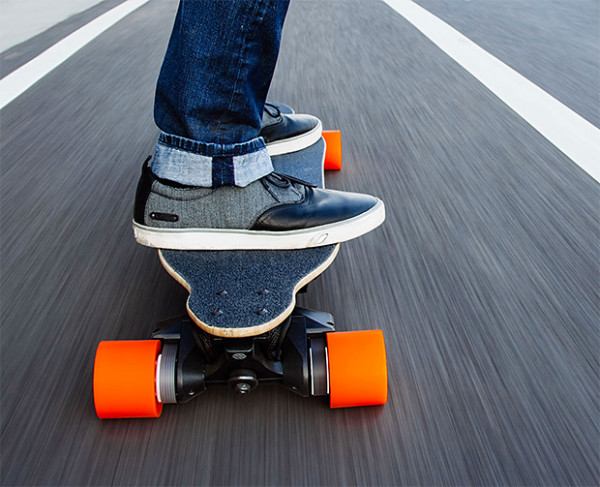 Boosted Board e1405084914862 Boosted Board   forget pushing, just enjoy the ride with this ultra light electric skateboard