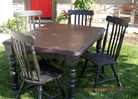 Glazed Table dark 3